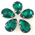 Камни в цапах стекло Капля 10х14 мм изумрудные (Emerald)