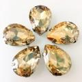 Камни в цапах стекло Капля 10х14 мм золотистые (Gold champagne)