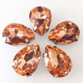 Камни в цапах стекло Капля 10х14 мм персиковые (Peach)