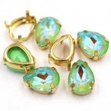 Камни в цапах стекло Капля 10х14 мм радужные зеленые
