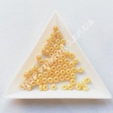 Бисер Preciosa 47112 топленое молоко перламутровый 6/0, 5 г