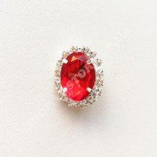 Брошь с пластиковым красным камнем 18x23 мм никель