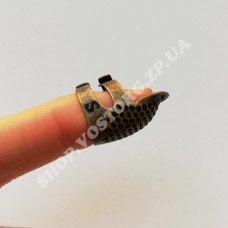 Наперсток с отверстием для ногтя, размер S